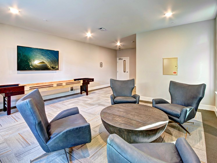 Lobby lounges with free WI-FI at Emerald Crest, Washington, 98011