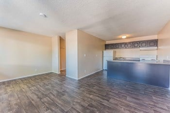 4545 Pennwood Avenue Studio-2 Beds Apartment for Rent Photo Gallery 1