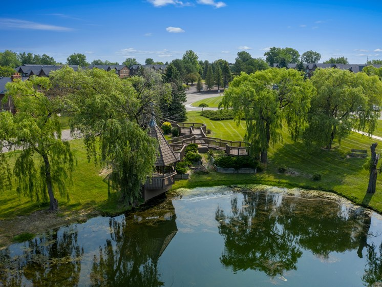 Relaxing Nature Observation Area  - Fountain Pointe Apartments in Grand Blanc, MI!
