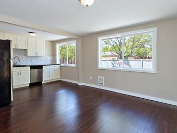 1514 23rd Ave 2-3 Beds Apartment for Rent Photo Gallery 1