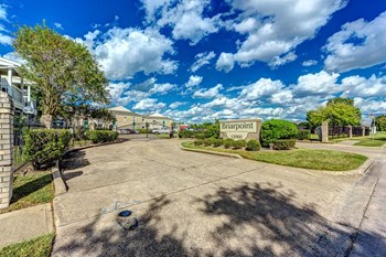 12660 Ashford Point Dr #404 1 Bed Apartment for Rent Photo Gallery 1