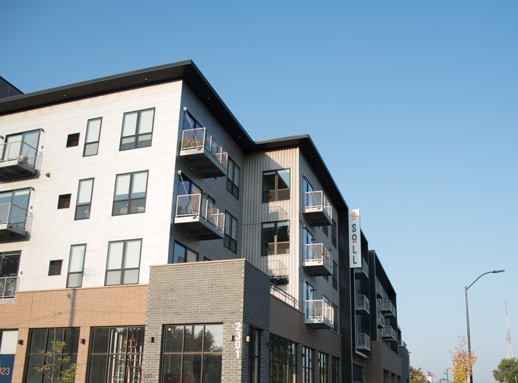 Exterior View of Soll Apartments Des Moines IA