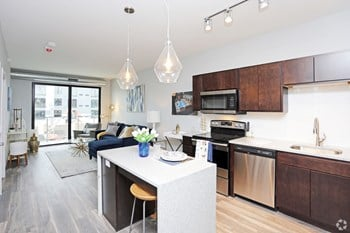 2301 Ingersoll Avenue 1-2 Beds Apartment for Rent Photo Gallery 1