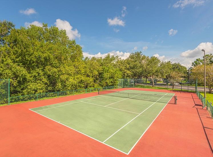 Versant Place Apartments outdoor tennis court