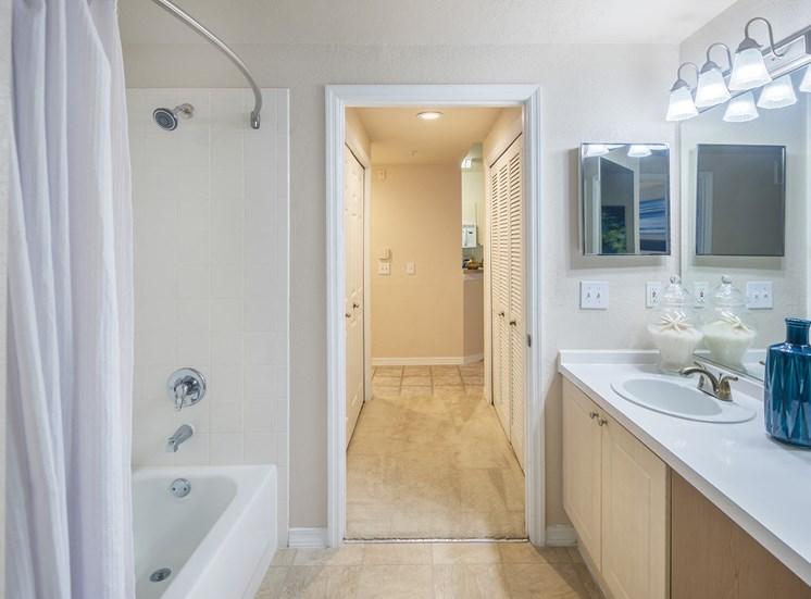 Versant Place bathroom
