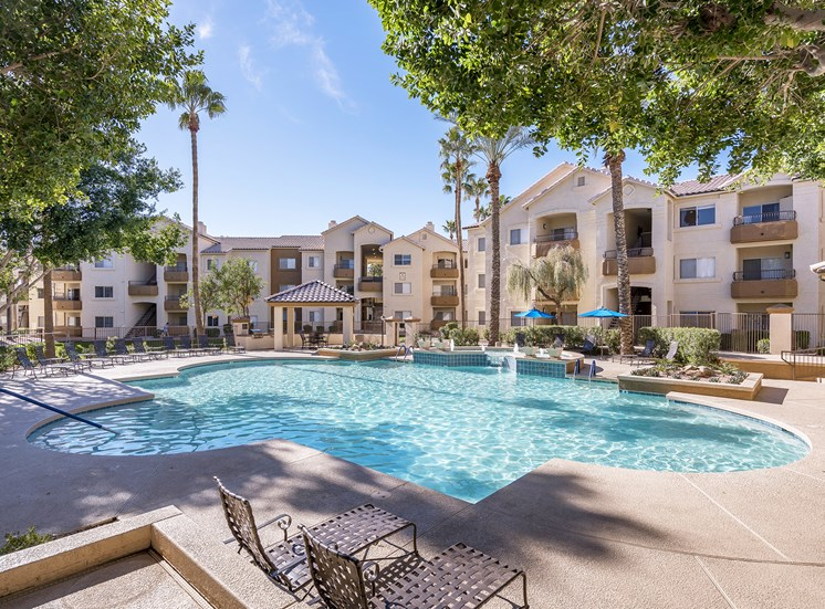 Sonterra Apartments at Paradise Valley - Resort-style pool and spa