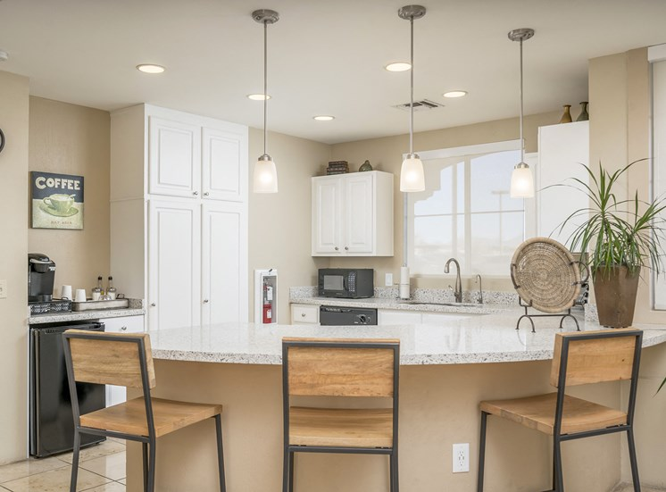Sonterra Apartments at Paradise Valley - Resident coffee bar