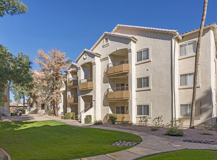 Sonterra Apartments at Paradise Valley - Patio or balcony in each apartment home