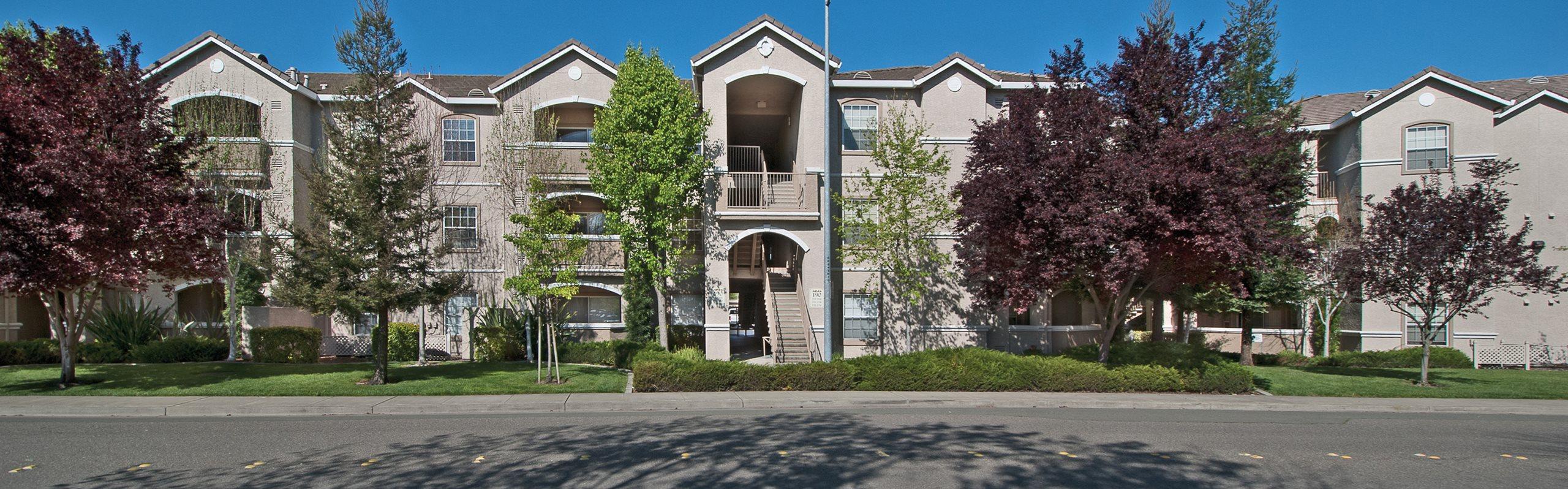 Mountain Shadows Apartments exterior view
