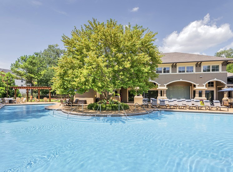 The Estates at River Pointe - Resort-style pool