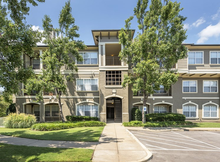 The Estates at River Pointe - Private patios or balconies available