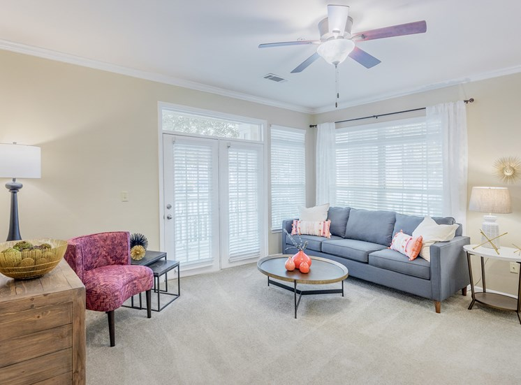 Belle Harbour Apartments - Nine-foot ceilings with ceiling fan
