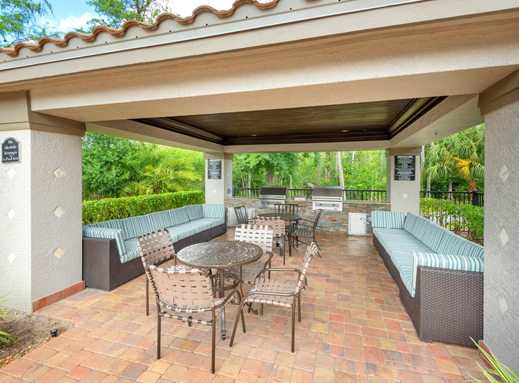 La Costa Apartments outdoor grilling gazebo