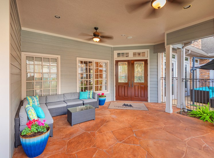 Lodge at Cypresswood Apartments - Outdoor lounge