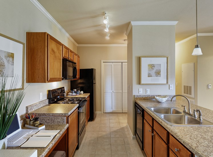 Cordillera Ranch Apartments - Kitchen interior