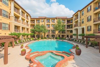 301 West Las Colinas Boulevard 1-2 Beds Apartment for Rent Photo Gallery 1