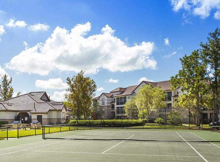 Egret's Landing Apartments tennis court