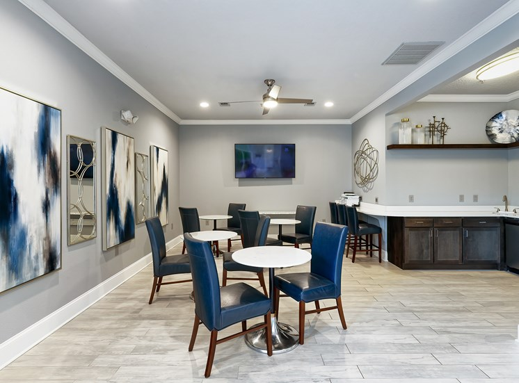 Weston Point Apartments - Clubhouse social area