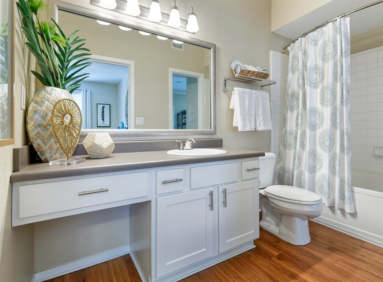 Weston Point Apartments - Oversized soaking tubs