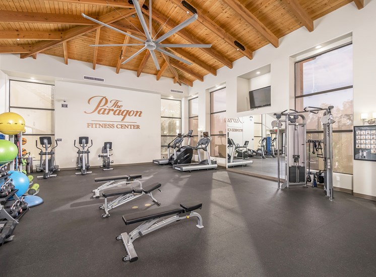 The Paragon at Kierland Apartments fully-equipped fitness center