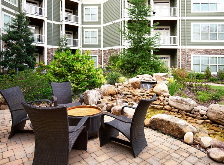 Parc at Grandview Apartments outdoor seating area