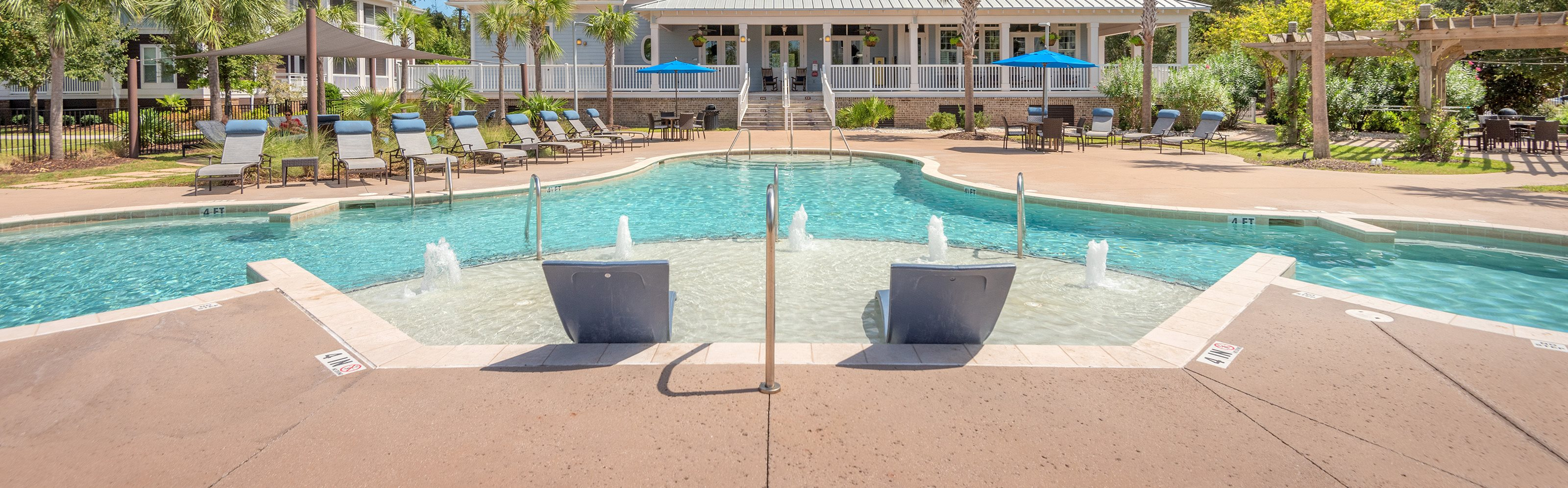 Windward Long Point Apartments pool area