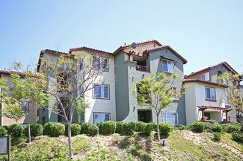 28100 Smyth Dr 1-3 Beds Apartment for Rent Photo Gallery 1