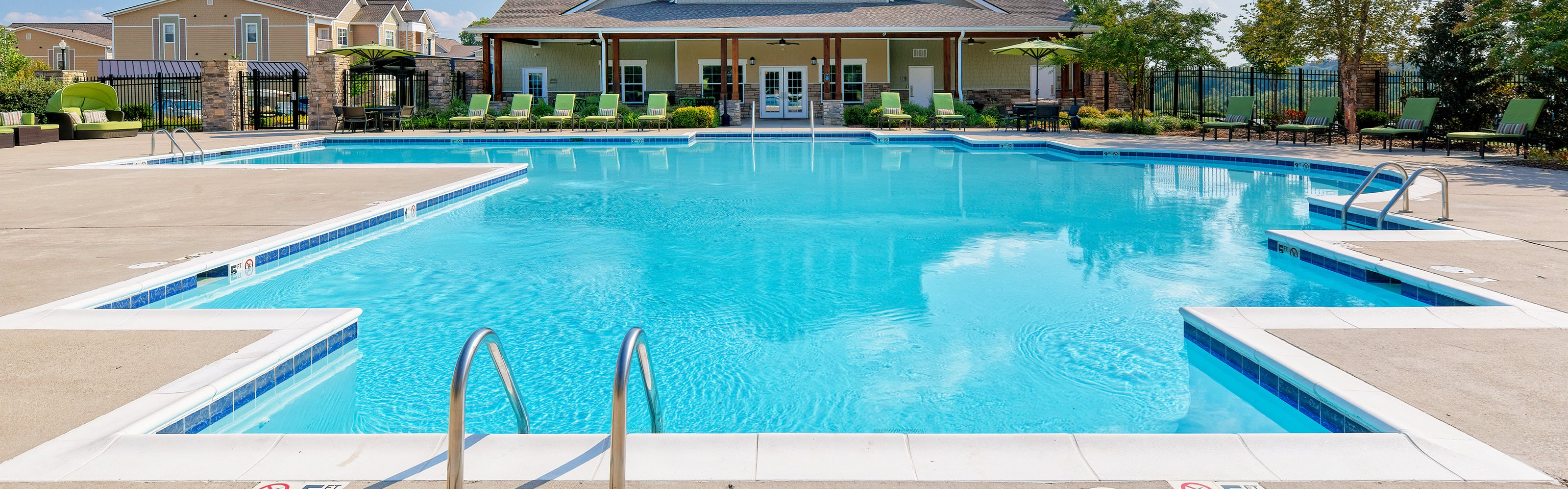 Glenbrook Apartments pool area