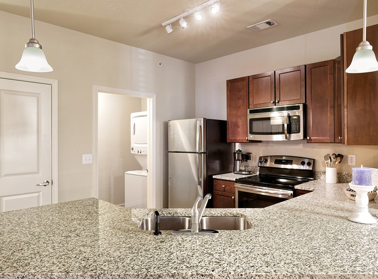 Glenbrook Apartments energy-efficient stainless steel appliances