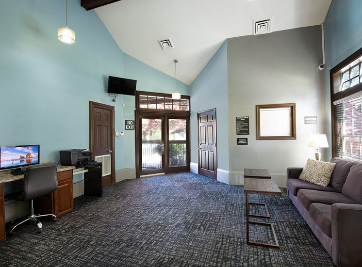Oakwell Farms Apartments - Business center with lounge area
