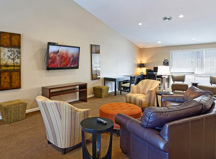 Brentwood Oaks Apartments resident clubhouse