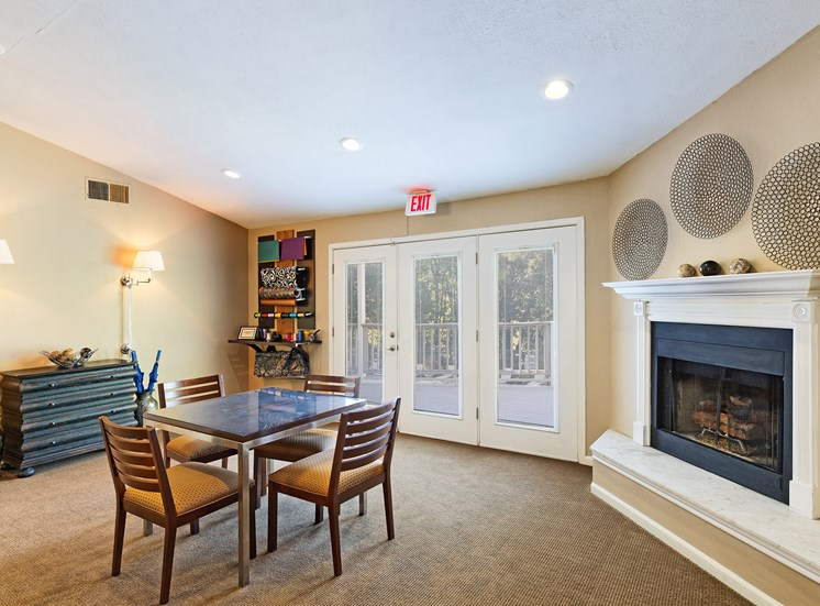 Brentwood Oaks Apartments fireplace lounge area