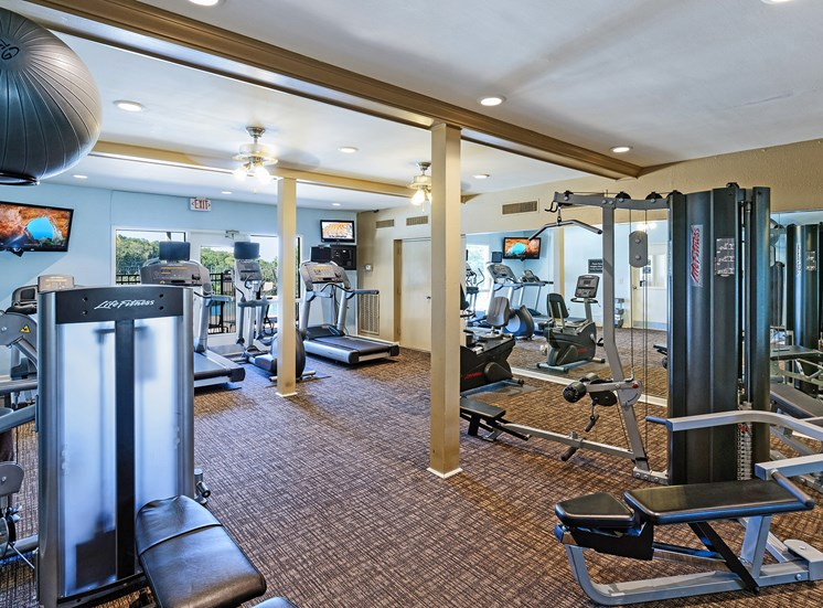Brentwood Oaks Apartments state-of-the-art fitness center