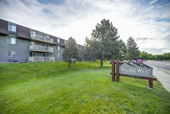 12155 W 58th Pl 1-2 Beds Apartment for Rent Photo Gallery 1
