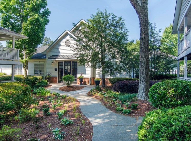 Dunwoody Village Leasing Office