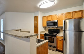 5501 Sayle Street 1-2 Beds Apartment for Rent Photo Gallery 1