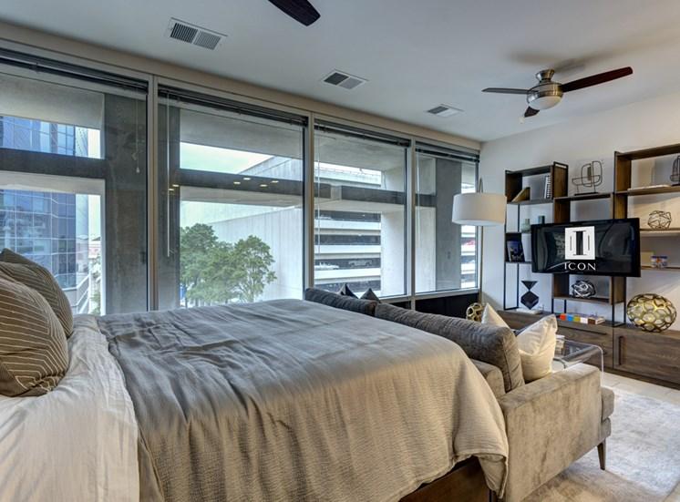 Icon Apartments in Norfolk Bedroom