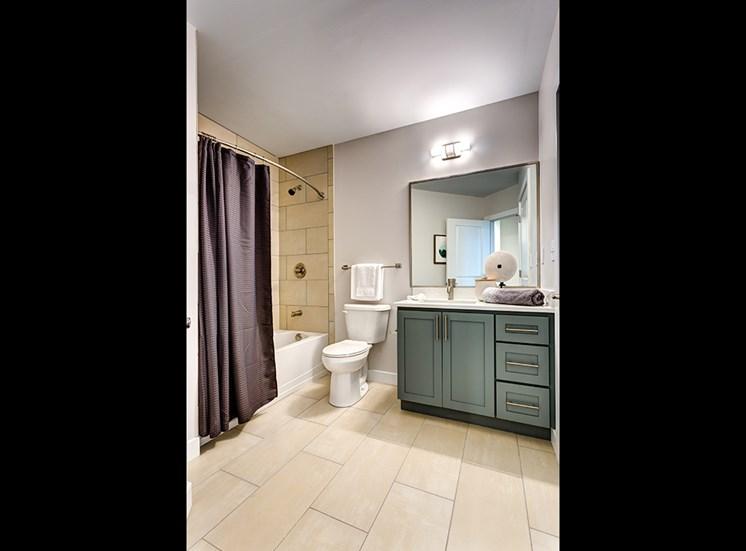 Icon Norfolk Apartments Hem Bath