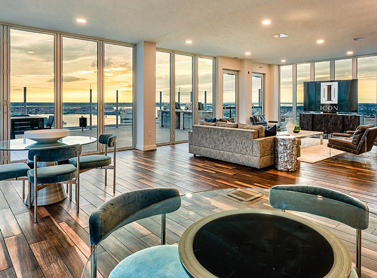 icon Norfolk Apartments lounge