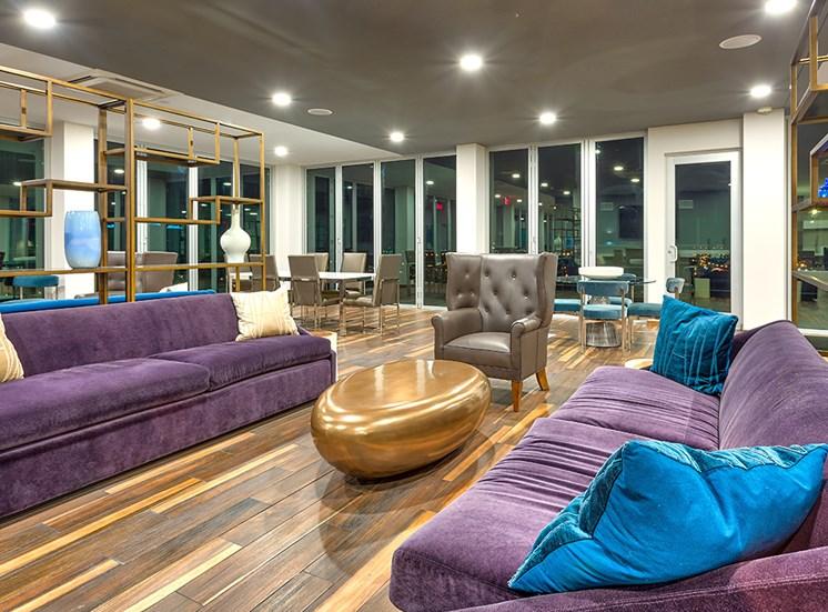 Icon Norfolk VA Apartments Clubroom