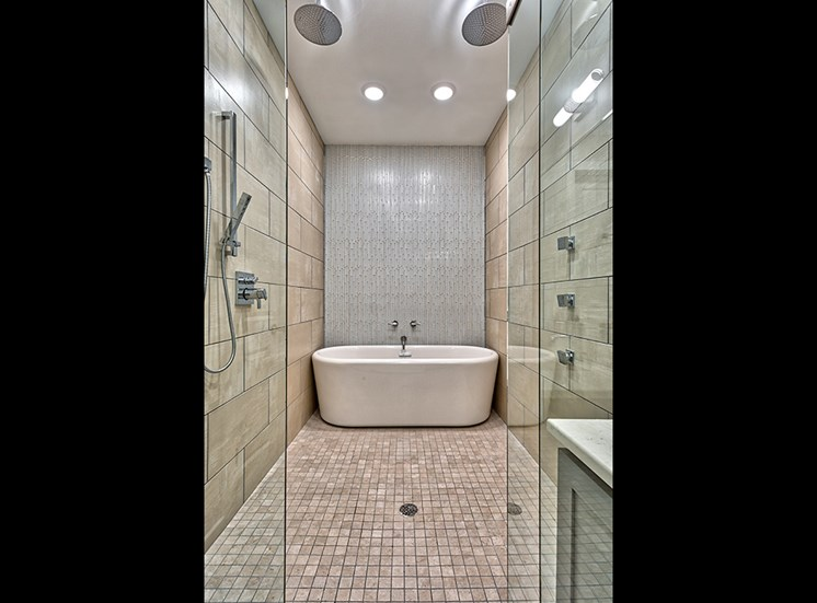 Icon Norfolk Apartments Monroe Bath