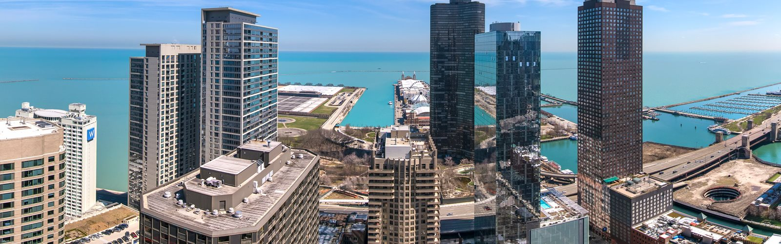 Premier Apartment Community at Moment, Chicago
