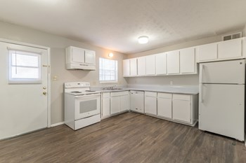 1731 Sams St SE 1-2 Beds Apartment for Rent Photo Gallery 1