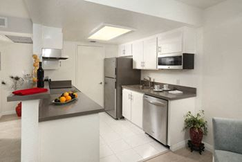 600 Spring Road 1-2 Beds Apartment for Rent Photo Gallery 1