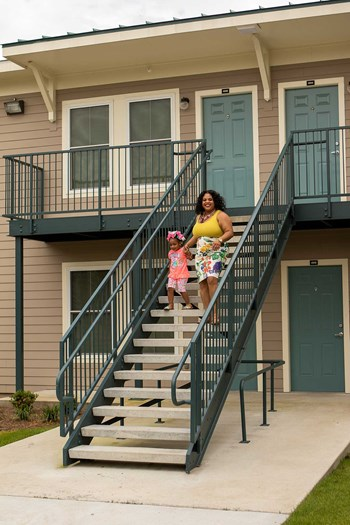 14600 Dwyer Boulevard 1-4 Beds Apartment for Rent Photo Gallery 1