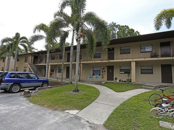 7770 Starkey Road 2 Beds Apartment for Rent Photo Gallery 1