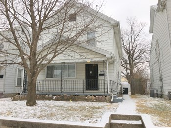 240 Alaska St 3 Beds House for Rent Photo Gallery 1