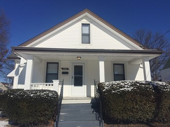 1496 Saint Clair Ave 4 Beds House for Rent Photo Gallery 1
