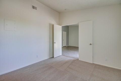 Harbor Cliff Apartments Empty Apartment Bedroom