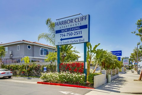 Harbor Cliff Apartments Front Sign